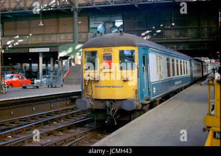 The Brighton Belle at Victoria Station -1 - Stock Image