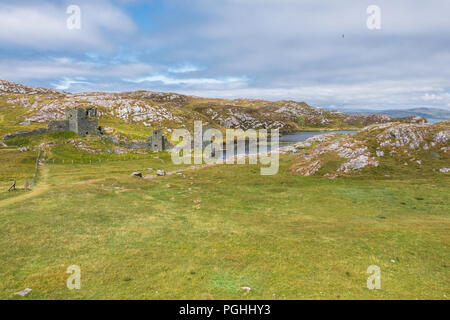 Dunlough Castle - Three Castle Head at West Cork - Ireland - Stock Image