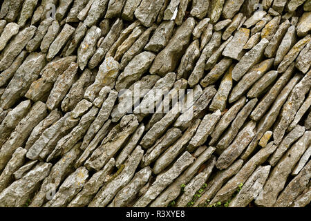 Pattern in traditional hand laid rock wall, Shaker Village of Pleasant Hill, Harrodsburg, Kentucky - Stock Image
