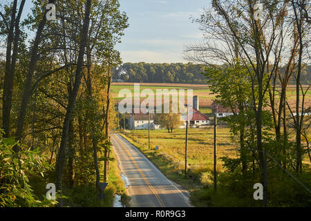 A country road near Quarryville, Pennsylvania, USA - Stock Image