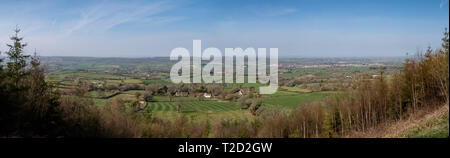 Panoramas across the Otter Valley from White Cross, where East Devon Way meets East Hill Strips, Ottery St Mary on the right - Stock Image