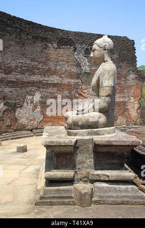 buddha statues in the vatadage in the polonnarawa archaeology site in the cultural triangle of sri lanka - Stock Image