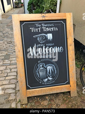 Welcome to the Turf Tavern, Oxford, Oxfordshire, South East England, Uk - Stock Image