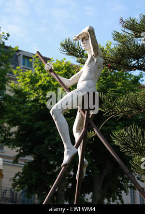 Statue of a Nude Man in the Gardens of Palais Carnoles, Menton, Cote D'Azure, South of France. - Stock Image