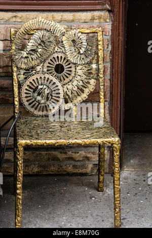 Metal sculpture chair made with keys by Phil Mortillaro, owner of Greenwich Locksmiths, Greenwich Village, New York - Stock Image