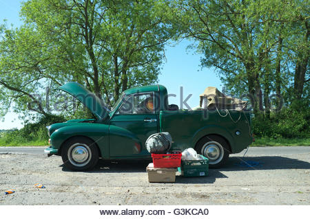 A broken down Morris Minor pick-up truck, in Wiltshire, UK. - Stock Image