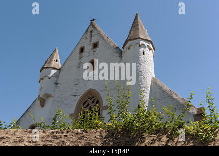 castle church with medieval city wall in ober ingelheim city rheinhessen rhineland palatinate germany - Stock Image