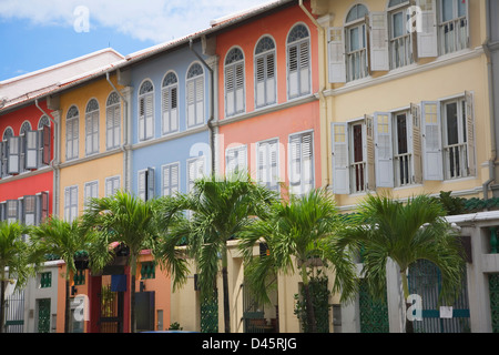Colorful shophouses line Neil Road in Chinatown, Singapore - Stock Image
