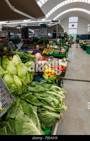 Portugal, Porto, Matosinhos, inside municipal market, Mercado de Matosinhos, Espaco Quadra - Stock Image