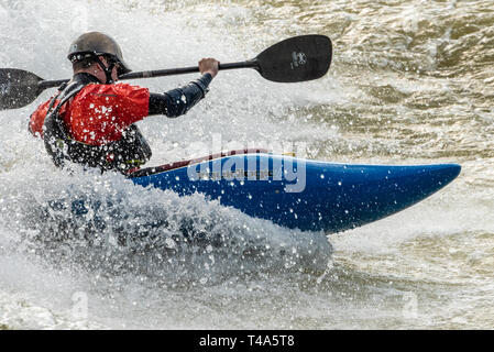 Whitewater kayaker at Paddle South Kayak Competition & Festival on the Chattahoochee River in Uptown Columbus, Georgia. (USA) - Stock Image