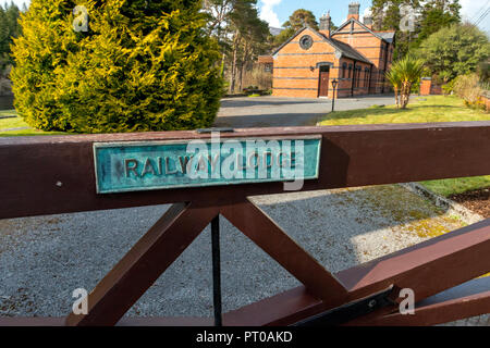 Old Railway lodge turned into a home. - Stock Image