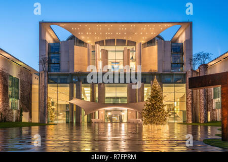 christmas tree in front of Kanzleramt, Berlin, Tiergarten - Stock Image