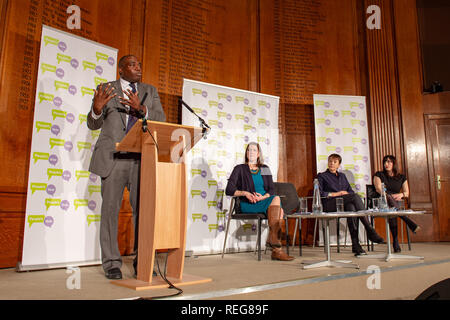 London, United Kingdom. 22 January 2019. People Vote 'Shining a light on alternative Brexit plans' press conference held at the Royal Institute of Chartered Surveyors building in central London. Pictured: David Lammy (L), Jo Swinson, Caroline Lucas Bridget Phillipson. Credit: Peter Manning/Alamy Live News - Stock Image