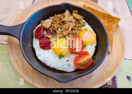 Western style omelette, Central Road, Pattaya, Thailand - Stock Image