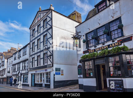 9 June 2018: Plymouth, Devon, UK - Southside Street and the Queens Arms, in the Plymouth Barbican area. - Stock Image