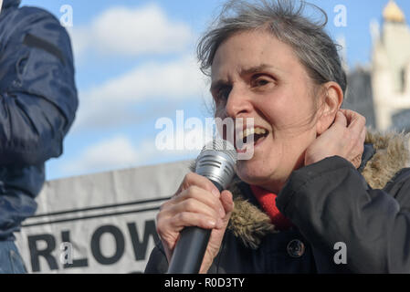 London, UK. 3rd November 2018. A woman talks about the fight to save council homes on the Aylesbury Estate in Southwark. Several hundred people, mainly from London's council estates under threat of demolition by Labour London councils came to a protest outside City Hall called by 'Axe the Housing Act'. The protest called for an end to estate demolitions unless  approved by a ballot of all residents, and for public land to be used to build more council homes rather than being turned over to developers to make huge profits from high-priced flats. Speaker after speaker from estate after estate go - Stock Image