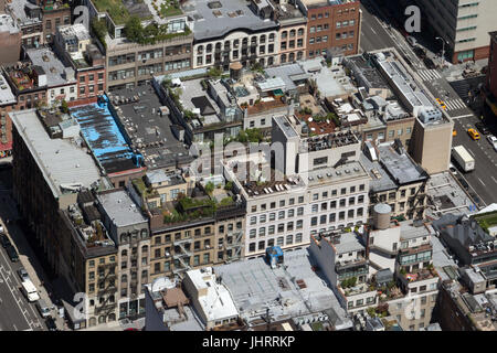 Rooftop terraces in Manhattan - Stock Image