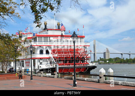 Savannah, Georgia. Georgia Queen cruise ship docked in Savannah river front. - Stock Image