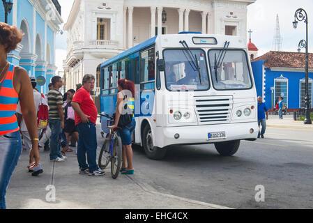 Cuba Sancti Spiritus main square Parque Serafin Sanchez blue white no 3 public transport bus coach - Stock Image