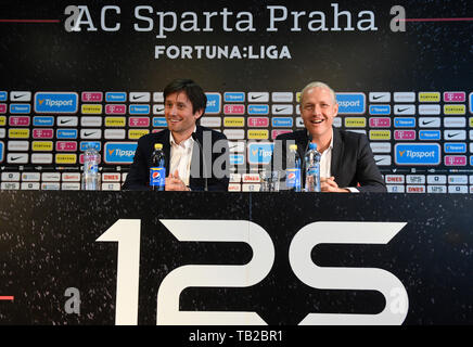 Prague, Czech Republic. 30th May, 2019. Vaclav Jilek (right) was named the new head coach of AC Sparta Praha. The current Sigma Olomouc coach has signed a three-year contract in Prague, Czech Republic, May 30, 2019. Praha Sports Director Tomas Rosicky (left) introduced the new coach at the press conference in Letna. Credit: Michal Kamaryt/CTK Photo/Alamy Live News - Stock Image