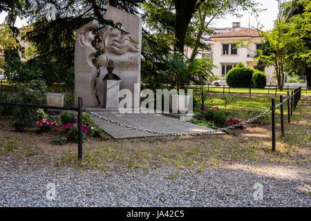 Monument Carabinieri in the park - Stock Image