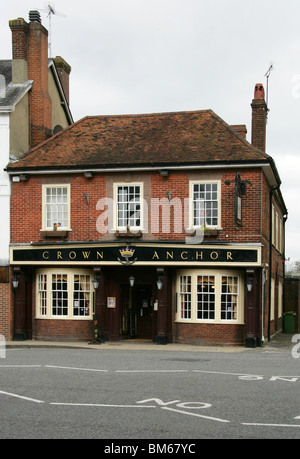 The Crown and Anchor Public House, Broadway, Winchester, Hampshire, UK - Stock Image