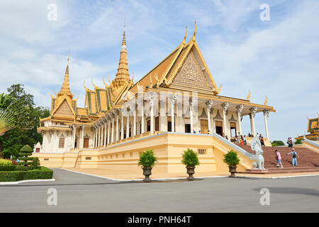 The Throne Hall building inside the Royal Palace complex in Phnom Penh, Cambodia. - Stock Image
