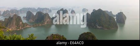 View over misty Ha Long Bay, north Vietnam - Stock Image