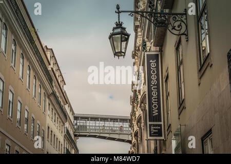 LISBON / PORTUGAL - FEBRUARY 17 2018: LISBON OLD CITY STREET VIEW - Stock Image