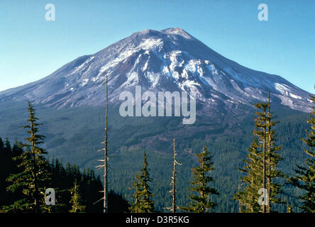 View from Johnston Ridge six miles northwest of Mount St. Helens volcanic one day before eruption May 17, 1980 in - Stock Image