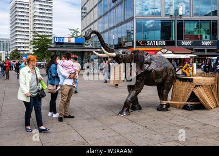 Metal Elephant at African market at Alexanderplatz, Mitte-Berlin - Stock Image