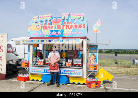 Cold drinks seller at Wings and Wheels - Stock Image