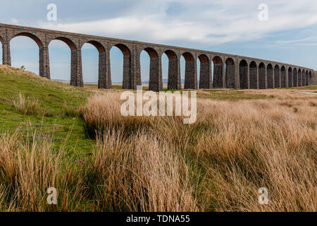 Ribblehead Viaduct, Yorkshire Dales NP, Yorkshire, UK - Stock Image