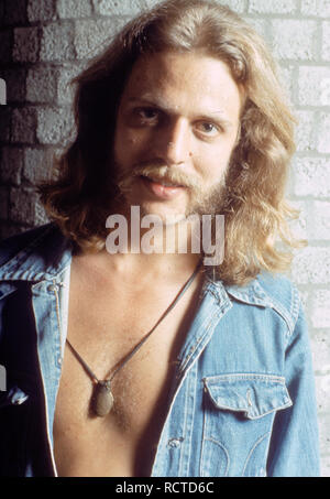 THE EAGLES US rock group with Don Felder about 1973 - Stock Image