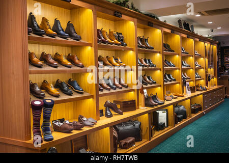 Loake,Footwear,Shoes,Boots,Mens,Ladies,Dislay,store,shop - Stock Image