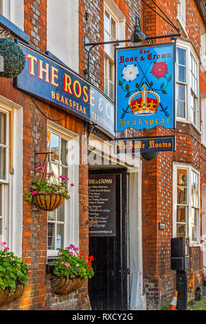 Rose and Crown Public House, Henley On Thames, Oxfordshire, UK - Stock Image