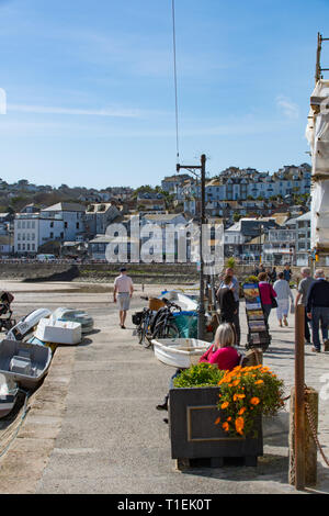 St Ives, Cornwall, UK. 26th Mar, 2019. UK Weather. It was a hot and sunny afternoon on the coast at St Ives in Cornwall today. Credit: Simon Maycock/Alamy Live News - Stock Image