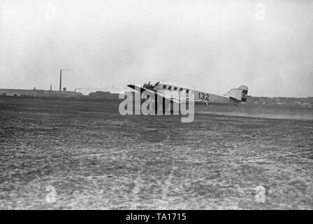 A Junkers G23 / 24 on the runway of the Munich Airport Oberwiesenfeld. - Stock Image