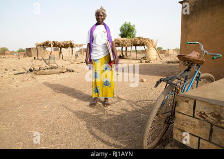 Samba village, Yako Province, Burkina Faso; Helene Pagoundba, nutrition education committee member. - Stock Image
