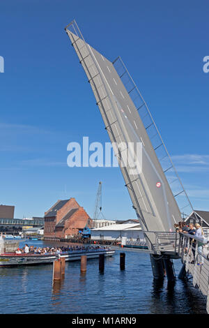 The Trangrav Bridge,Trangravsbroen, a Butterfly 3-Way cyclist and pedestrian bridge across Christianshavn Canal - Stock Image