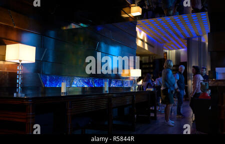 The Blue Bar at the Four Seasons hotel, Hong Kong SAR - Stock Image
