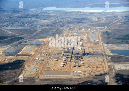 aerial, CNRL Horizon oil sands plant Fort MacKay, Alberta - Stock Image