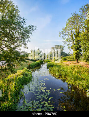 River Stour at Nayland, Suffolk, England, in the Constable Country. - Stock Image