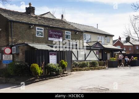 Strawbury Duck pub, Entwistle, Lancashire. The Strawbury Duck is a rural pub at the end of a three-quarter-mile - Stock Image