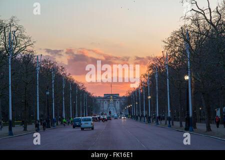 A  sunset behind Buckingham Palace - Stock Image