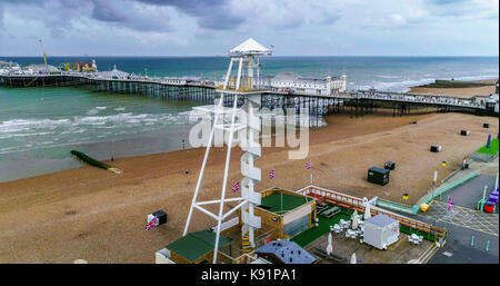 Aerial view of new zip line attraction on the seafront in Brighton, England - Stock Image