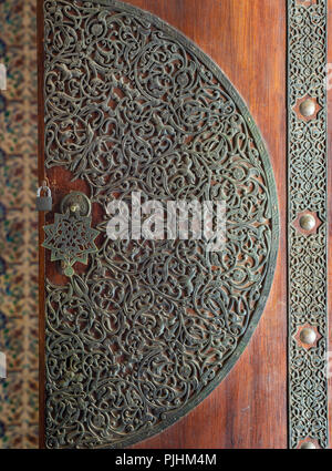 Wooden decorated copper plated door from the royal era, Cairo, Egypt - Stock Image
