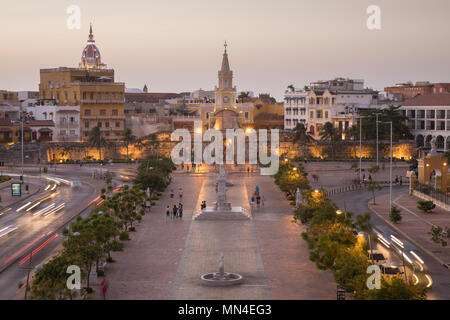 Plaza de la Paz and the Old Town at dusk, Cartagena, Colombia - Stock Image