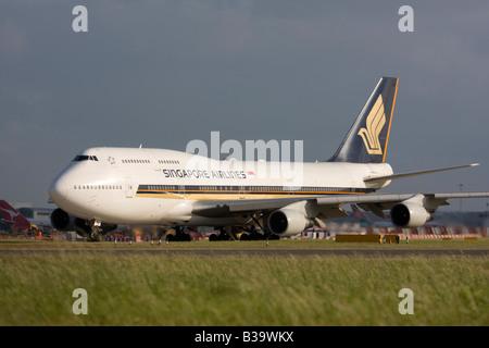 Singapore Airlines Boeing 747-412 London Heathrow, United Kingdom - Stock Image