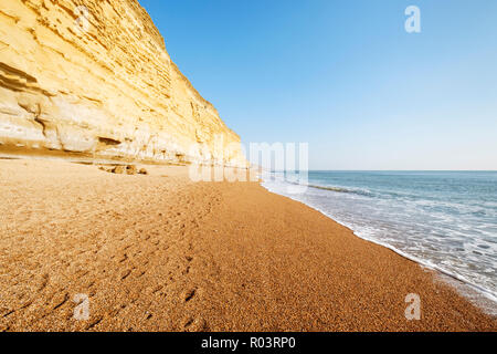 The eastern part of Chesil Beach at Burton Cliff on the Jurassic Coast, Near Bridport, Dorset, England, UK - Stock Image